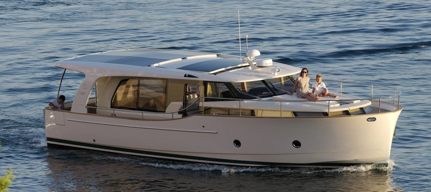 Charter Greenline 40 - Available for season 2022!