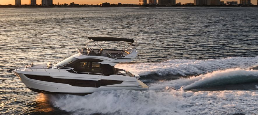 Luxurious relaxation with Galeon 400 Fly