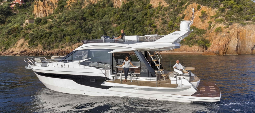 Meet the 4-time winner of the prestigeous award Yacht of the year - Galeon 500 Fly