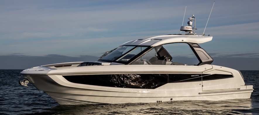 The future is here, and it comes in a shape of a brand new Galeon 325 GTO!