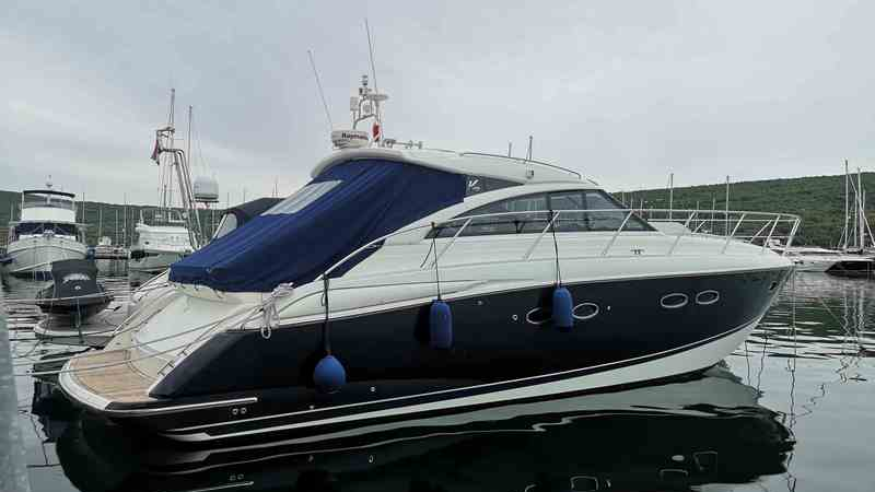 Princess Yachts V 45